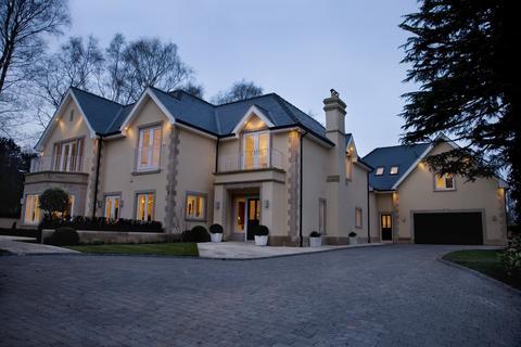 5 bedroom detached house to rent - Heybridge Lane, Prestbury, Cheshire