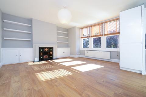 2 bedroom flat to rent - Deerdale Road London SE24