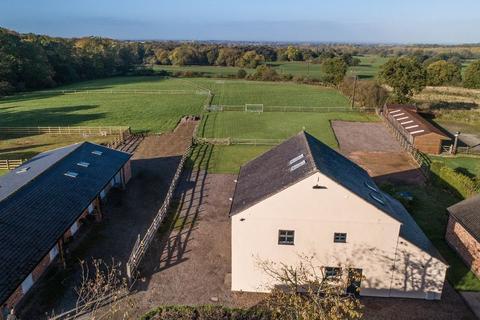 5 bedroom barn conversion for sale - Bleeding Wolf Lane, Scholar Green, Cheshire, ST7 3BH