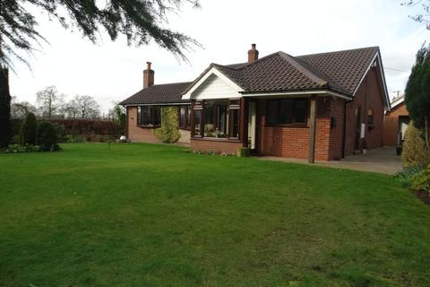3 bedroom bungalow for sale - Forty Acre Lane, Kermincham