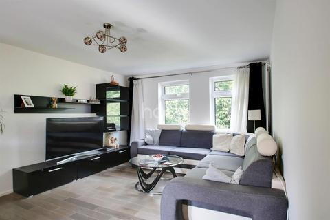 3 bedroom flat for sale - Roman Courts, Cambridge
