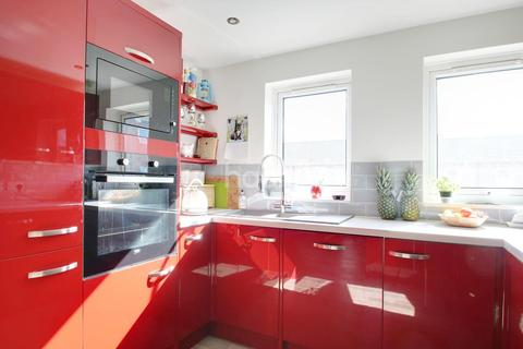 3 bedroom flat for sale - Roman Courts, Cambridge