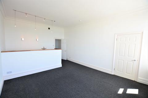 2 bedroom flat for sale - Kingsway, Hove BN3