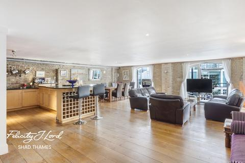3 bedroom flat for sale - St Saviours Wharf, Mill Street, SE1