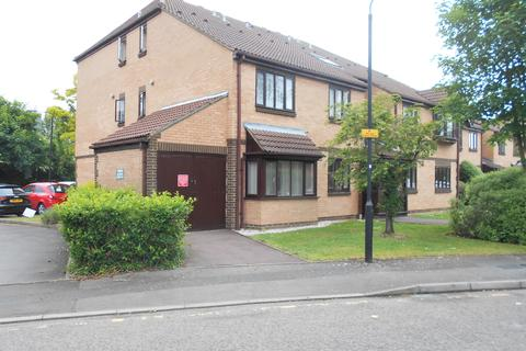 1 bedroom ground floor flat for sale - MARWELL CLOSE, ROMFORD RM1