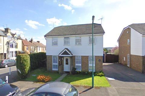 2 bedroom semi-detached house to rent - Farnborough Close, Maidstone