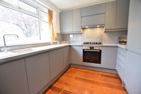5 bedroom detached house to rent - Scotts Avenue, Bromley, BR2