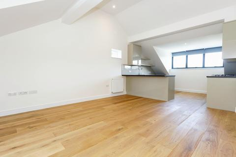 2 bedroom apartment to rent - Barry Road, East Dulwich, SE22