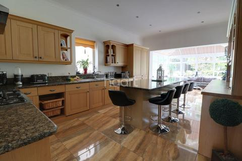 5 bedroom detached house for sale - Oak Avenue, Enfield, EN2