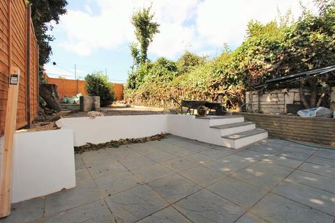 4 bedroom semi-detached house to rent - Westbury Road, London, Greater London. N11 2DB