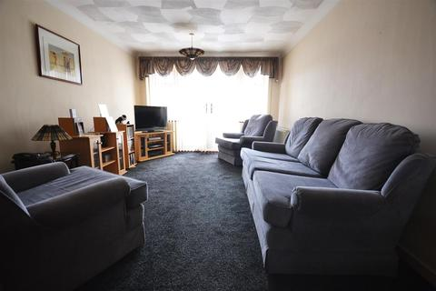 3 bedroom terraced house to rent - Camden Close, Chadwell St.Mary