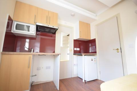 Studio to rent - Riefield Road, Eltham, SE9