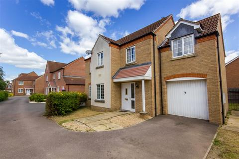 4 bedroom house for sale - Half Crown Court, Boston