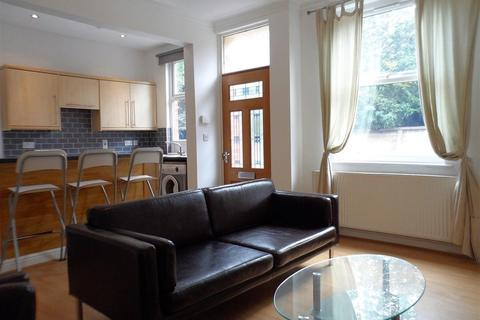 4 bedroom property to rent - Salisbury Grove, Leeds