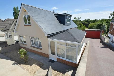 4 bedroom detached bungalow for sale - Evering Avenue, Alderney, Poole, BH12 4JH