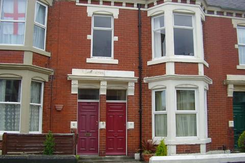 2 bedroom house to rent - Heaton