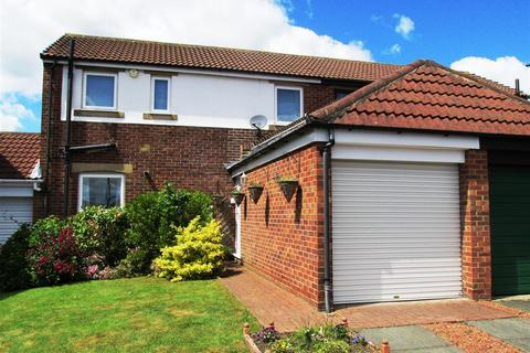 3 bedroom semi-detached house for sale - Milecastle Court, Newcastle upon Tyne