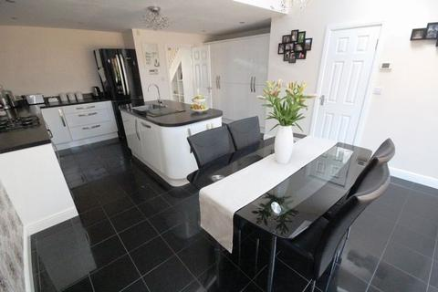 3 bedroom terraced house for sale - Sweldon Close, Caerau