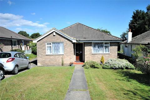 2 bedroom detached bungalow for sale - North Mead, Bramhope, Leeds, West Yorkshire