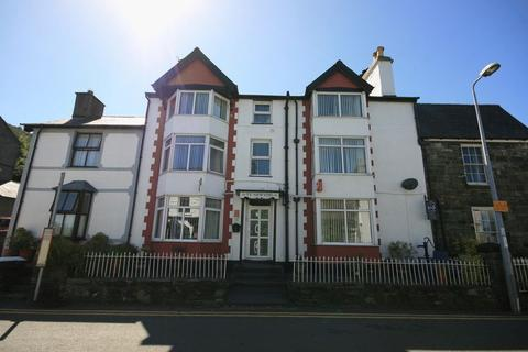 7 bedroom terraced house for sale - Conwy Road, Trefriw