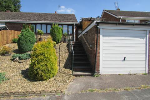 2 bedroom semi-detached house to rent - Greenfields Drive, Rugeley