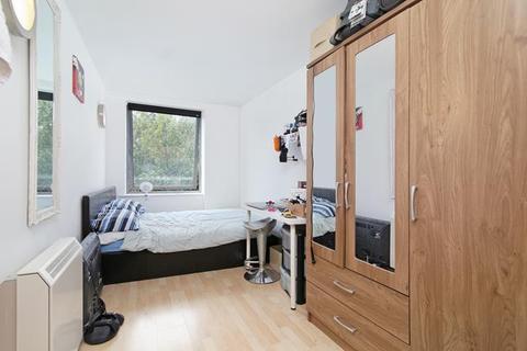 2 bedroom flat to rent - Raquel Court, Snowfields, London, SE1 3TE