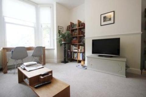 2 bedroom flat to rent - Davisville Road, Shepherds Bush