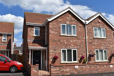 3 bedroom semi-detached house for sale - Westbourne Court, Beccles Road