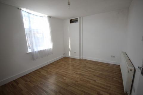 3 bedroom flat to rent - Cape Hill,  Smethwick, B66