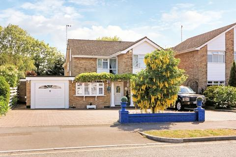 4 bedroom detached house for sale - Willingale Way, THORPE BAY