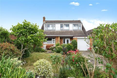 3 bedroom detached bungalow for sale - Bell View Close, Windsor, Berkshire, SL4