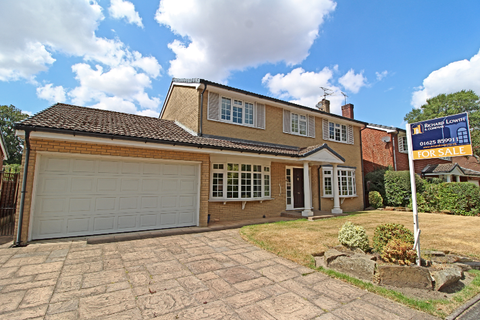 4 bedroom detached house for sale - POYNTON ( PADDOCK CHASE )