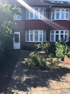3 bedroom detached house to rent - Raynes Park , SW20