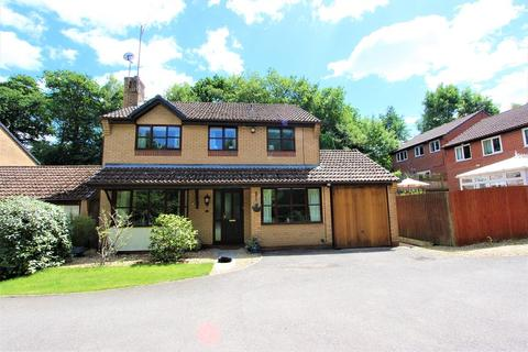 4 bedroom detached house for sale - Caernarvon Drive, Rhiwderin, Newport, Newport. NP10 8QT