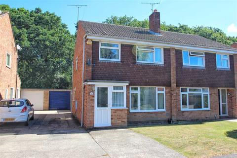 3 bedroom semi-detached house for sale - Bullock Wood Close, Colchester