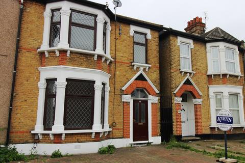 4 bedroom semi-detached house for sale - Wellesley Road, Ilford, Essex, IG1, Ilford IG1