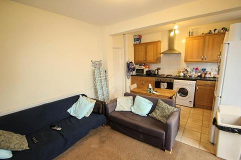 3 bedroom semi-detached house to rent - Gibbins Road, Selly Oak, Birmingham, B29 6NJ