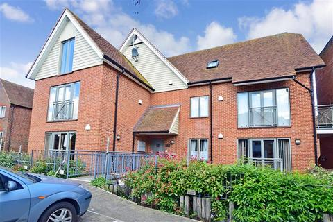 2 bedroom flat for sale - Adelaide Place, Canterbury, Kent