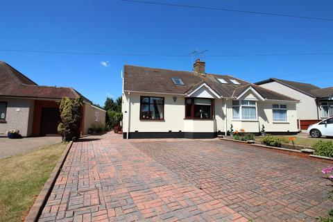 4 bedroom semi-detached bungalow for sale - Connaught Avenue, North Grays