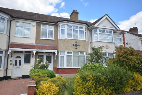 3 bedroom terraced house for sale - Cecil Aveue, Ardleigh Green, Hornchurch, Essex RM11