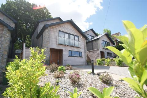5 bedroom house for sale - Hillview Road, Rayleigh