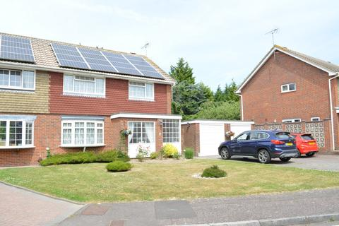 3 bedroom semi-detached house to rent - Applefield, Northgate, RH10