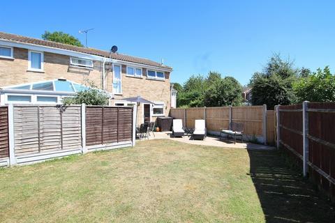 3 bedroom semi-detached house for sale - Tulip Close, Chelmsford, Essex, CM1
