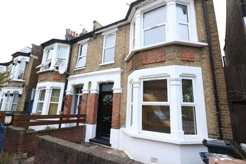 5 bedroom semi-detached house to rent - Leyton E10