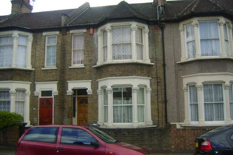 2 bedroom terraced house to rent - Leyton E10
