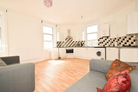 2 bedroom apartment to rent - High Street London