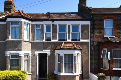 3 bedroom terraced house for sale - Neuchatel Road, Catford