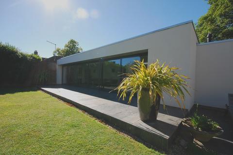 3 bedroom detached bungalow for sale - Hardingham Street, Hingham, Norwich