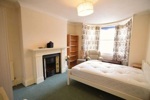 1 bedroom flat share to rent - Regency Square, Brighton* DOUBLE ROOM*