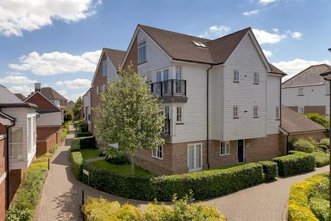 2 bedroom apartment for sale - Spencer Place, Kings Hill, West Malling